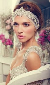 Soft and Romantic wedding makeup looks for fair skin 37