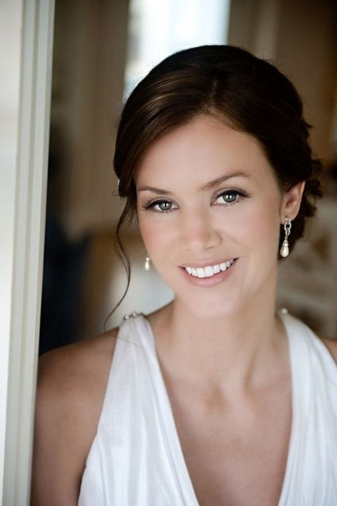Soft and Romantic wedding makeup looks for fair skin 41