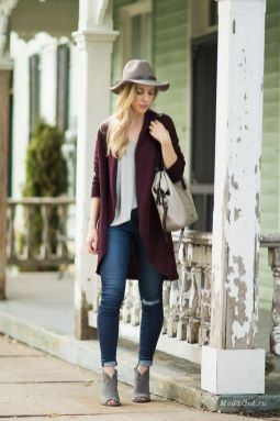 World of jeans cute winter outfits ideas 25