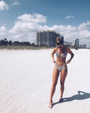 100 Ideas Outfit the Bikinis Beach 54