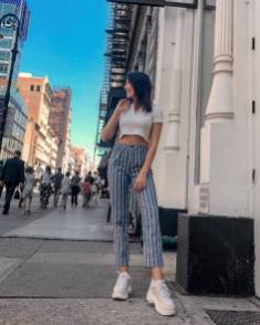 30 Comfortable and Charming Clothing ideas for sightseeing 11