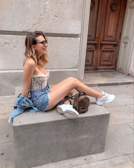 30 Comfortable and Charming Clothing ideas for sightseeing 17