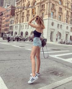 30 Comfortable and Charming Clothing ideas for sightseeing 19