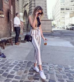30 Comfortable and Charming Clothing ideas for sightseeing 31