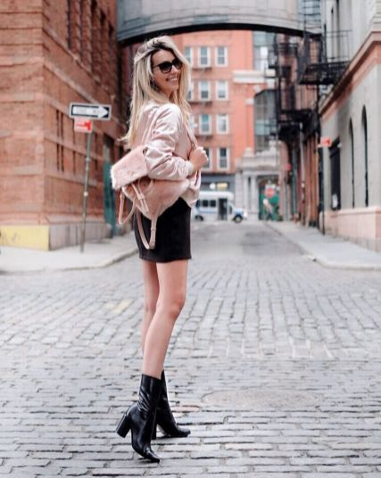 30 Comfortable and Charming Clothing ideas for sightseeing 36