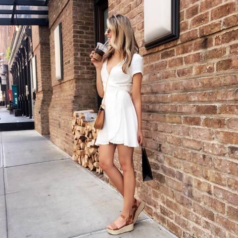 30 Comfortable and Charming Clothing ideas for sightseeing 37