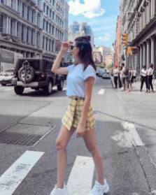 30 Comfortable and Charming Clothing ideas for sightseeing 5