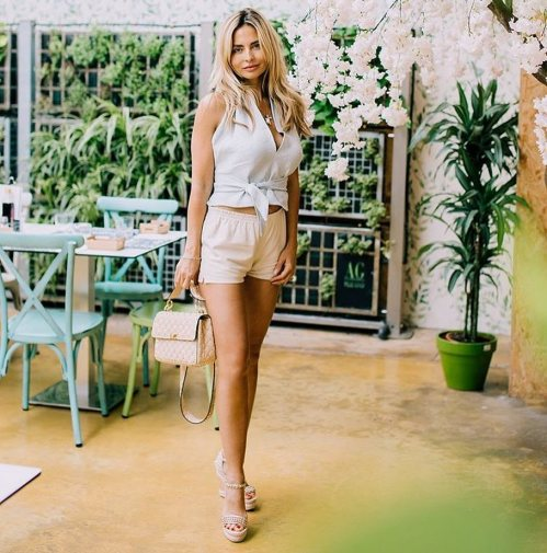 30 Simple Outfit Ideas for women 12
