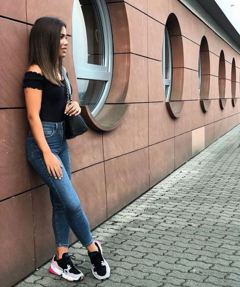 30 Simple Outfit Ideas for women 23