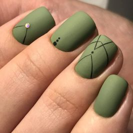 40 Chic Green Nail Art Ideas 1