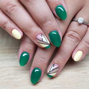 40 Chic Green Nail Art Ideas 21