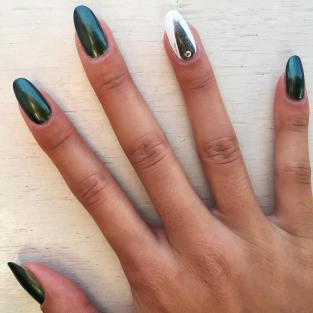 40 Chic Green Nail Art Ideas 23