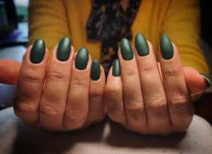 40 Chic Green Nail Art Ideas 43
