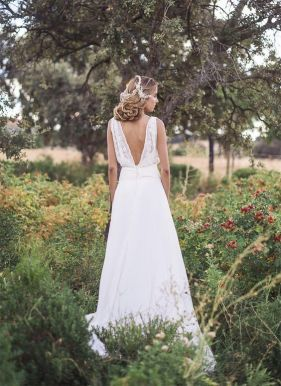 40 Deep V Open Back Wedding Dresses Ideas 2