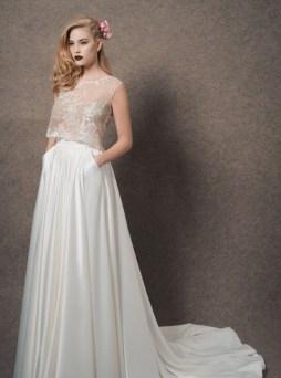 40 Einfache Crop Top Brautkleider Ideen 21