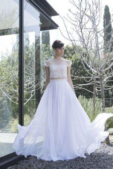 40 Einfache Crop Top Brautkleider Ideen 23