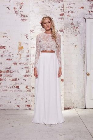 40 Einfache Crop Top Brautkleider Ideen 33