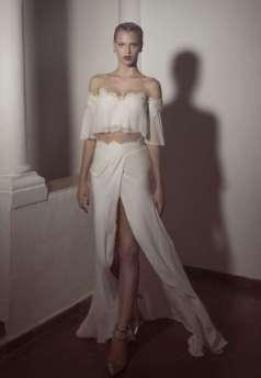 40 Einfache Crop Top Brautkleider Ideen 4