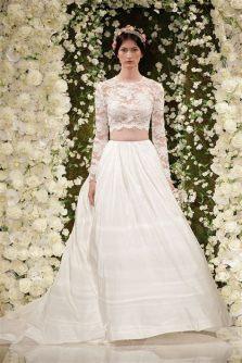 40 Einfache Crop Top Brautkleider Ideen 41