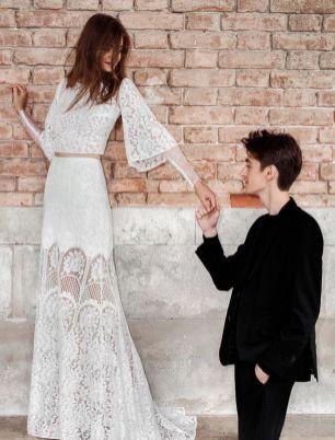 40 Einfache Crop Top Brautkleider Ideen 49