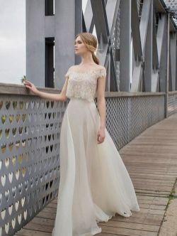 40 Einfache Crop Top Brautkleider Ideen 8