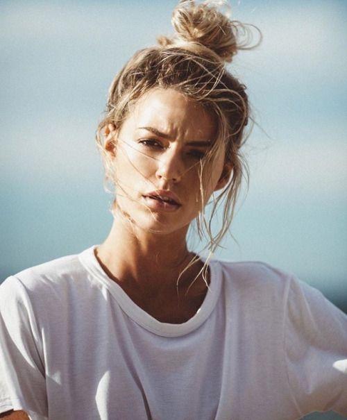 40 High Messy Bun Hairstyles Ideas 16