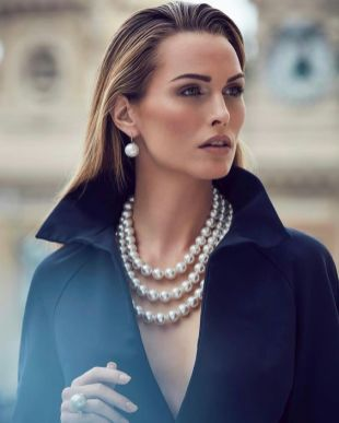 40 How to Wear a Pearl Necklace Ideas 3
