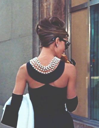 40 How to Wear a Pearl Necklace Ideas 6