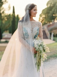 40 Long Viels Wedding Dresses Ideas 15