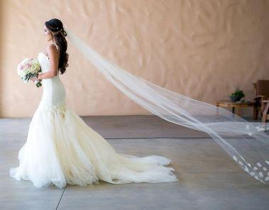 40 Long Viels Wedding Dresses Ideas 17