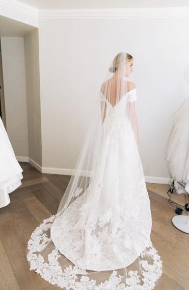 40 Long Viels Wedding Dresses Ideas 25