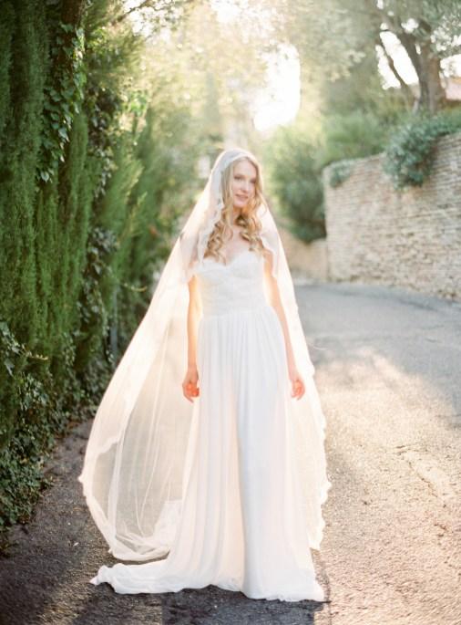 40 Long Viels Wedding Dresses Ideas 26