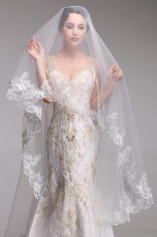 40 Long Viels Wedding Dresses Ideas 29