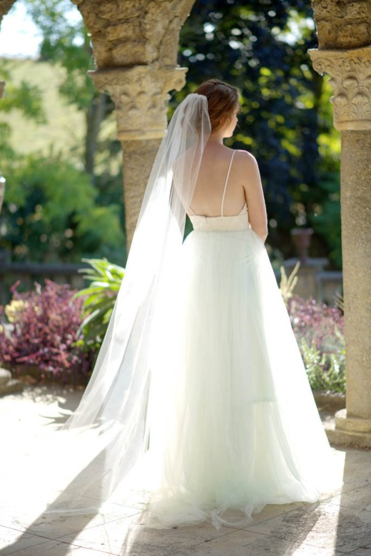 40 Long Viels Wedding Dresses Ideas 31