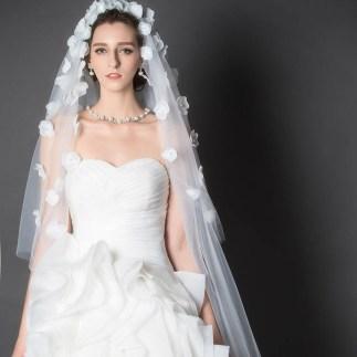 40 Long Viels Wedding Dresses Ideas 44