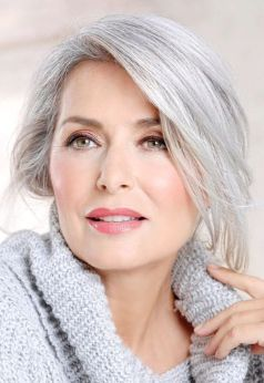 40 Makeup for Women Over 50 Ideas 36