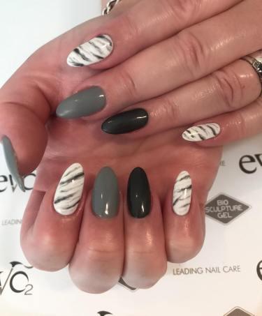 40 Simple Grey Nail Art Ideas 17 2