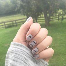 40 Simple Grey Nail Art Ideas 21 2