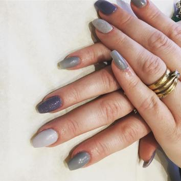 40 Simple Grey Nail Art Ideas 26 2