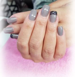 40 Simple Grey Nail Art Ideas 38 2