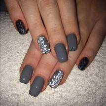 40 Simple Grey Nail Art Ideas 41 2