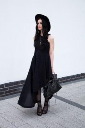 40 Stylish Asymmetric Dress Ideas 32