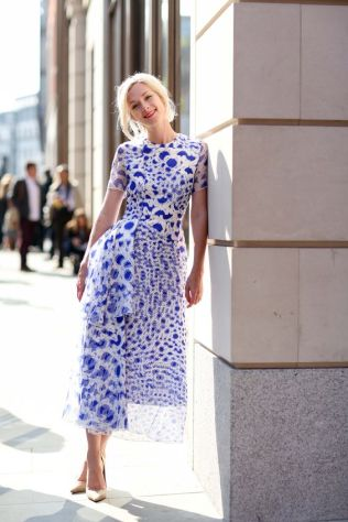 40 Stylish Asymmetric Dress Ideas 5