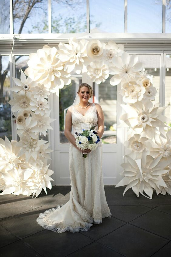 40 Ways to Use Paper Flowers At Your Wedding 17