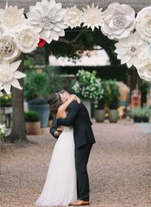 40 Ways to Use Paper Flowers At Your Wedding 21