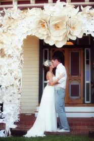 40 Ways to Use Paper Flowers At Your Wedding 39