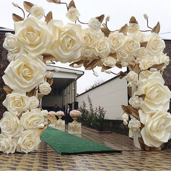 40 Ways to Use Paper Flowers At Your Wedding 47