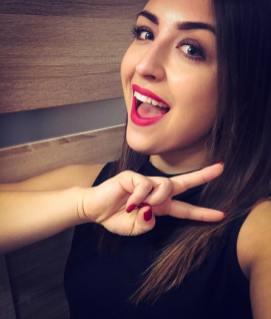40 Ways to Wear Pink Lipstick Ideas 37
