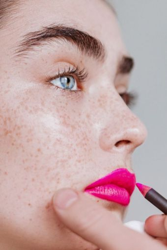 40 Ways to Wear Pink Lipstick Ideas 4