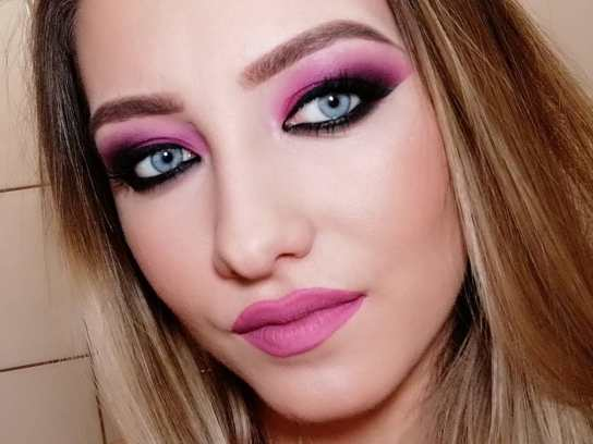 40 Ways to Wear Pink Lipstick Ideas 44